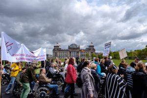 Bild vom Protest am 4. Mai beim Bundeskanzleramt